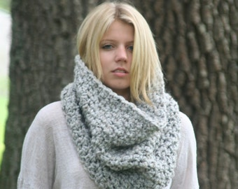 Chunky Cowl Scarf  Neck Warmer Textured Crochet Hood  / THE LECONTE / Marble Gray