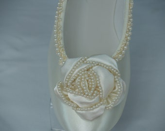 Ready to Ship Size 6 & 8 Ivory Flats Fancy Pearls Satin Rossette,ballet style slipper, comfortable ivory shoes,Rose, Pearl Trimmed,Satin