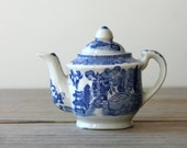 Vintage blue willow Japanese mini teapot / cottage chic home decor / collectible / Asian Victorian inspired / classic design / blue / white