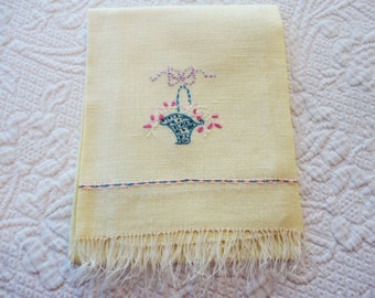 Linen Guest Fingertip Towel Soft Yellow with Embroidered Floral Basket