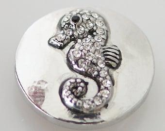 1 PC 18MM White Seahorse Animal Rhinestone Silver Candy Snap Charm KB5239 Cc0112