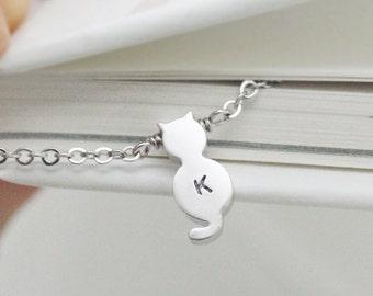 Initial bracelet,Tiny cat bracelet, personalized bracelet,simple and delicate jewerly,best friend bracelet,silver cat,wedding,animal