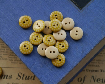 20 Wooden Mustard Yellow Polka Dot Buttons 15mm  (WB2160)