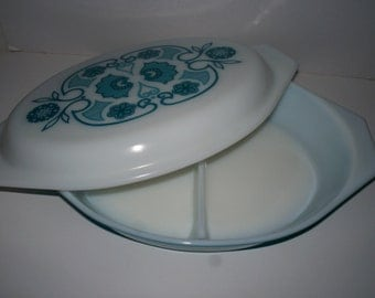 Pyrex Horizon Blue 1 1/2 Quart Double Sided Baking Casserole Dish in Blue with Cover