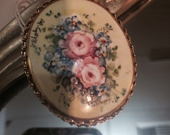 Vintage antique hand-painted floral pink roses signed artists cameo oval Bridal summer brooch pin free shipping