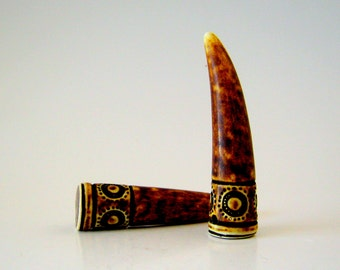 carved horn pendant 60mm (1)