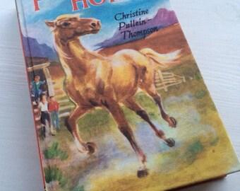 Phantom Horse by Christine Pullein-Thompson vintage