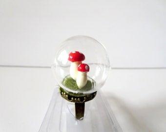 Globe ring - mushroom ring - Adjustable Ring -mini terrarium ring, terrarium jewelry