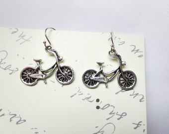Silver Bike Necklace -crystal Bicycle Pendant ,Bicycle earrings -bike  jewelry and   Free gift