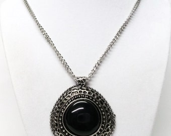 Black Onyx Gemstone on Etched Silver Plated Pendant Necklace