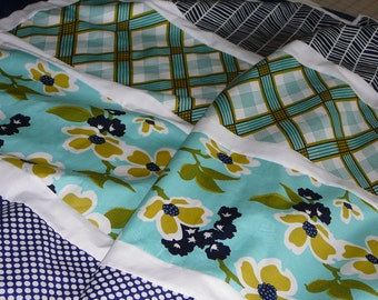 Modern Navy and Tiffany Blue Blanket