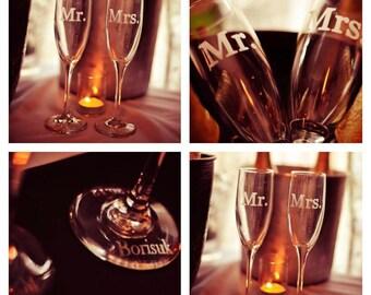 Wedding Toasting Flutes, Champagne Flutes, Mr Mrs Personalized