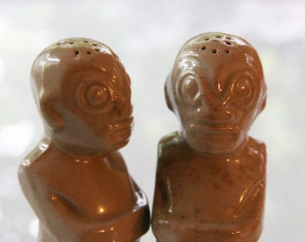 1980s Vintage Trader Vic Tiki Salt and Pepper Shakers - Retro Beige Light Brown Male Kitchen Tiki Kitsch