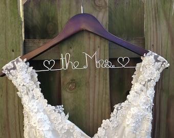 Bridal Dress Hanger, Wedding Hanger, Bride Hanger, Bridal Shower Gift, Wedding Hanger, Last Name Hanger, Mrs Hanger, Personalized Wedding