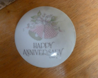 Vintage 1977 WWA Happy Anniversary box Wedding