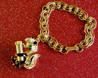 STINKY the Skunk Perfume Holder Charm Bracelet 1950s Vintage