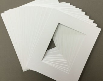 Package of  20 8x10 White  Mats with White Core Bevel Cut for 5x7  Pictures