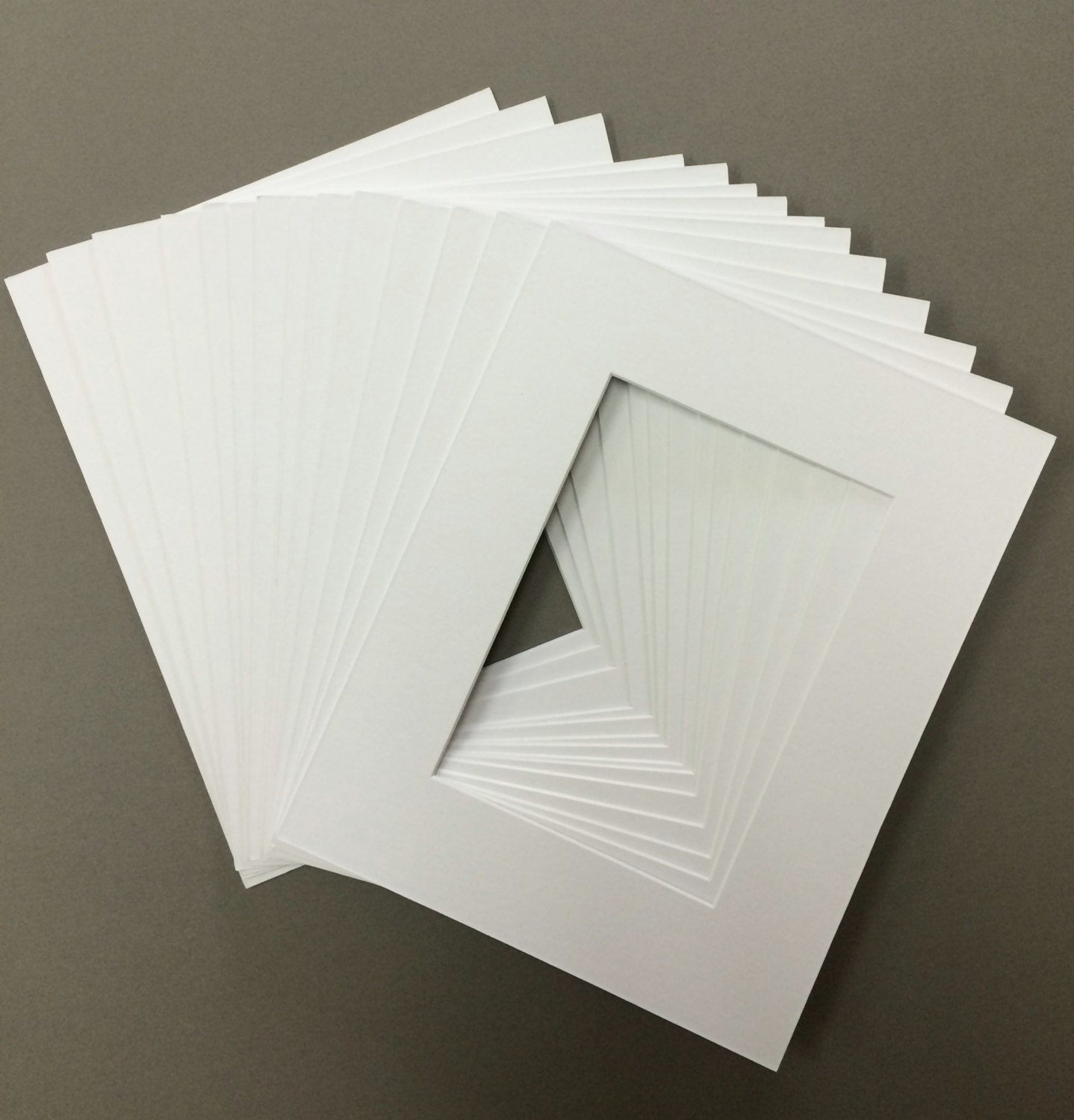 Package Of 20 8x10 White Mats With White Core Bevel Cut