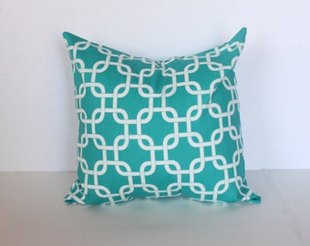 CLEARANCE - 16 x 16 Turquoise Gotcha Chain Link Pillow Cover - Premier Prints