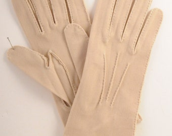 Vintage golden beige ladies dress glove. NOS. Ribbed detail size 6 3/4