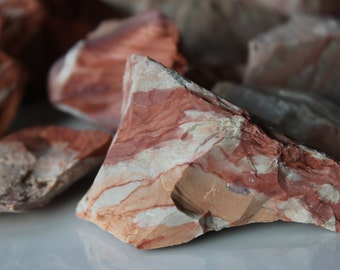Red Jasper Chunk / Improve strength and stamina / Creativity / Dream Recall / Protect from night terrors