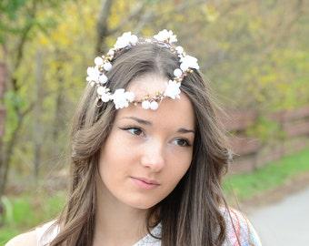 White Bridal fascinator, Bridal headpiece, Flower crown, mini  head wreath,Bridal white flower tiara wedding tiara, Bridal Halo