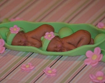 2 Peas in a Pod cake topper set