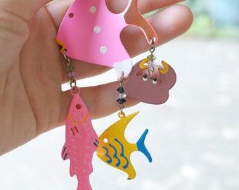 Tropical Fish Earrings     Dangling Clip Ons     Vintage 1980s     Elastic Link Jewelry     Summer Fun