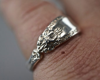 STERLING SILVER SPOON ring. International prelude ring. spoon jewelry. promise ring. sterling silver ring band No.00210