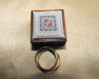 Ring Box in polished Mahogany with hand stitched Lid