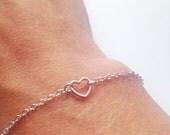 Tiny heart bracelet - Delicate everyday jewelry - Dainty tiny heart bracelet
