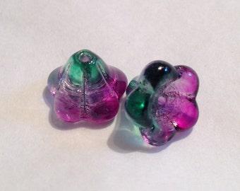 10 pcs - 13mm x 11mm Glass Trumpet Bell Flower Beads Mauve & Green