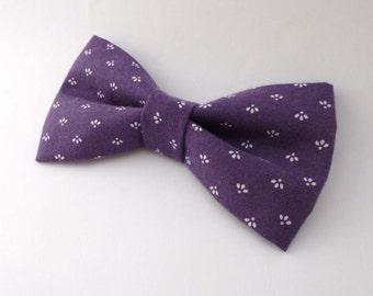 Mens bow tie purple cotton - purple bow tie - vintage fabric bow ties - pre tied clip on bow tie - cotton bowtie already tied