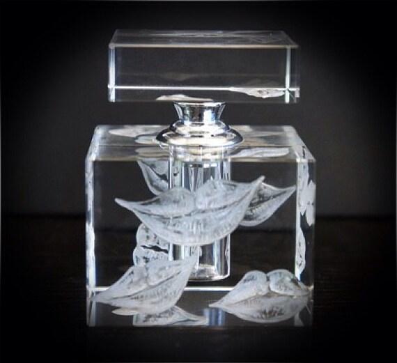 Hand Engraved Perfume Bottle, Lips, Kissing, Oleg Cassini Crystal, Mini Perfume Bottle, Perfume Bottle, vanity Tray, Perfume Tray, Crystal