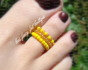 SALE - Stacking Toe Ring - Buttercup - Yellow Seed Bead Stretch Bead Toe Ring