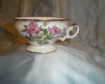 Tea Cups with Floral Design, Gold Rim