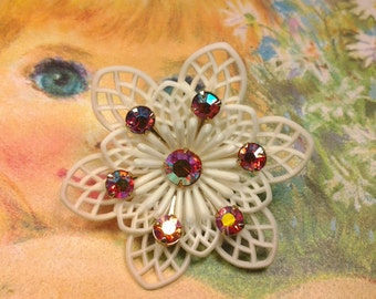 vintage costume jewelry brooch pin  flower crystal lucille plastic