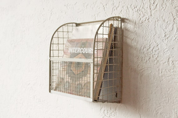 wire magazine rack wall hanging display storage. Black Bedroom Furniture Sets. Home Design Ideas
