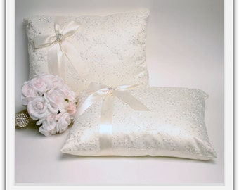 A set of Wedding Kneeling Pillow : Floral Embroidery with Bow