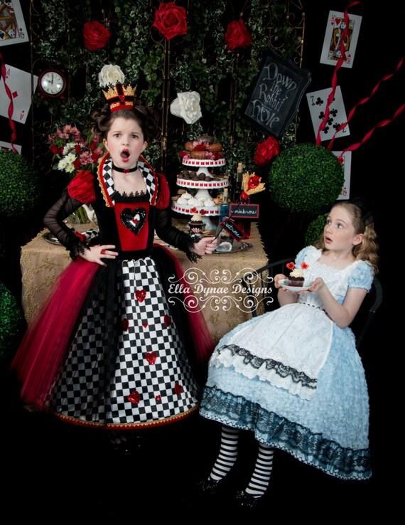 Alice in wonderland apron - Deguisement alice au pays des merveilles fait maison ...