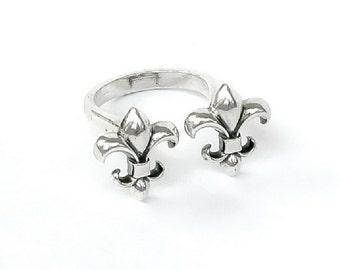 Sterling Silver Fleur de lys ring, unlocked