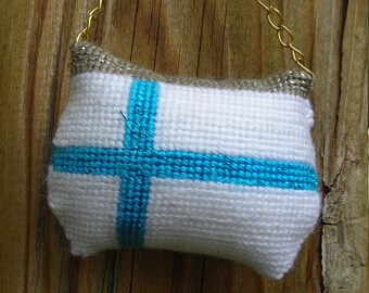Needlepoint Finnish flag Purse  Ornaments