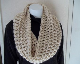 Chunky Infinity Scarf Cowl Eternity Circle Loop Fashion Crochet  Cream