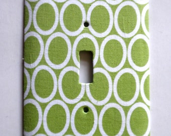 Single Light Switch Plate Switchplate in Green and White Oval Print