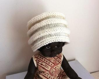 White baby hat - hand knitted wool beanie - newborn hat - white wool hat - babies hat