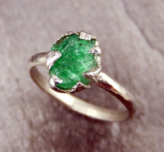 Raw Emerald Rose Ring