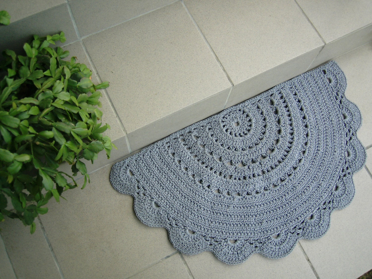 Fantastic Tufted Chenille Oval Bath Mat With HandCrocheted Trim  Accent Rugs