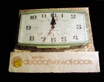 GE Wall Clock 1960s Vintage Avocado New in Package