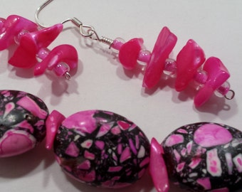 Hot pink & grey beaded necklace and earring set.