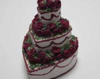 Cake - dollhouse miniature 1:12 scale